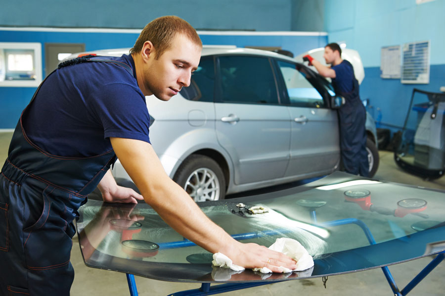 Stouffville auto glass shop